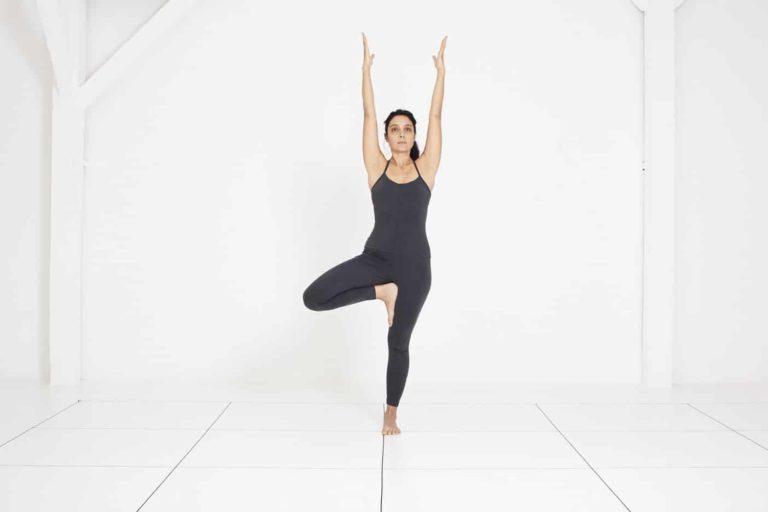 Yoga Nice | cours de yoga Iyengar | Vrksasana