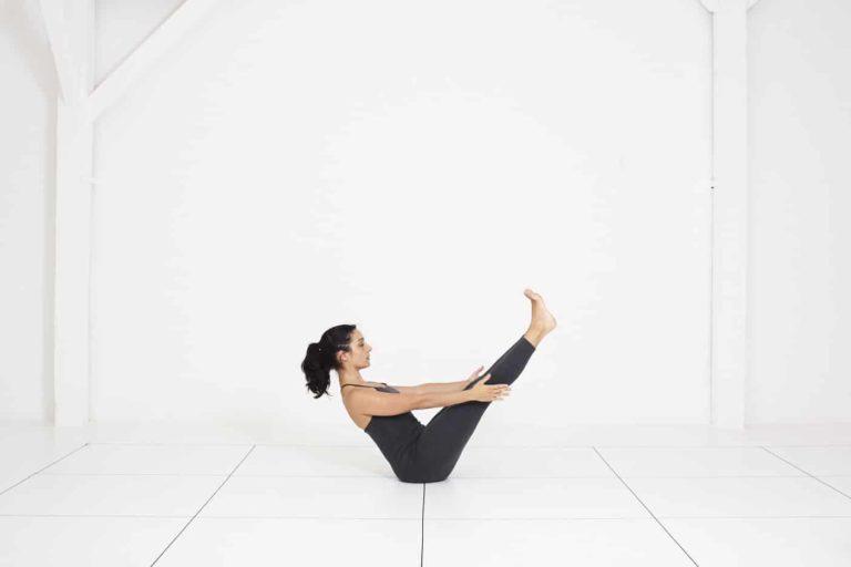 Yoga Nice | cours de yoga Iyengar | navasana